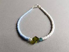 Ich freue mich, den jüngsten Neuzugang in meinem #etsy-Shop vorzustellen: Bracelet Amitié en perles bleu blanc/crystal Swarovski; Bracelet Amitié bleu blanc/crystal. http://etsy.me/2CBG9QP #schmuck #armband #blau #weiss #unisexerwachsene #karabiner #braceletamitie