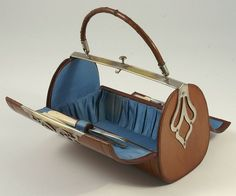 """Sew Men Clothes 1850 Leather sewing """"purse""""--you have to go look at the other pictures. Vintage Purses, Vintage Bags, Vintage Handbags, Vintage Sewing Notions, Antique Sewing Machines, Sewing Leather, Leather Craft, Sewing Accessories, Vintage Accessories"""