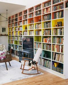 Those painted bookshelves / A CUP OF JO: New York City apartment tour Family Apartment, New York City Apartment, Bookshelves Built In, Built Ins, Book Shelves, Painted Bookcases, Bookshelf Design, Tv Bookcase, Apartment Bookshelves