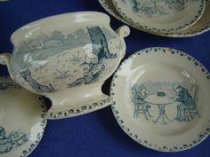 Soupière de dinette ancienne en céramique, Décor Benjamin Rabier