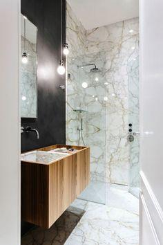 Apartamento em Milão - Nomade Architettura - Decoração Contemporânea - Contemporary Style - Estilo Contemporâneo - Banheiro de Mármore - Decoração de Banheiros - Banheiros Decorados - Box de Vidro - Duas Duchas - Bathroom - Casa de Banho - Banheiro Listrado - Banheiro Preto e Branco  - Marcenaria - Cuba Embutida - Cuba Esculpida - Cubas para Banheiro -- #BlogDecostore