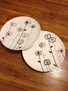 Hand Painted Pottery dinner plates to paint Sharpie Designs, Sharpie Projects, Sharpie Crafts, Sharpie Art, Clay Projects, Hand Painted Pottery, Painted Mugs, Painted Plates, Hand Painted Ceramics
