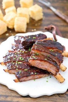 Melt-in-your-mouth, tender BBQ spare ribs made in under 30 minutes! Garlic Parmesan Knots, Artisan Bread Recipes, Spare Ribs, Crescent Rolls, Oatmeal Cookies, 3 Ingredients, Cookie Recipes, Crockpot Recipes, Food Print