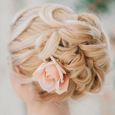 Bring the floral trend to life in your gorgeous wedding updo #WeddingHair #WeddingWednesday #WeddingInspiration #YorkdaleStyle