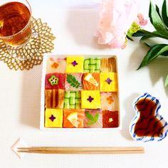 この画像は「美しすぎるフォトジェニックなお寿司♡簡単#モザイク寿司の作り方」のまとめの1枚目の画像です。