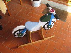 ¿Qué te parece fabricar una moto balancín de madera? Te contamos cómo