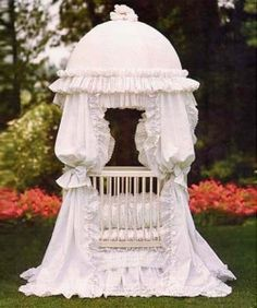 Round baby cribs are quickly becoming some of the best styles and safely designed cribs on the market today because of their beauty, elegance...