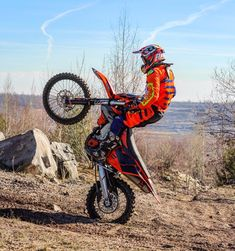 Tag your friends . Motocross Love, Atv Motocross, Cool Dirt Bikes, Motogp Valentino Rossi, Cafe Racer Motorcycle, Dirtbikes, Dirt Biking, Racing, Quad
