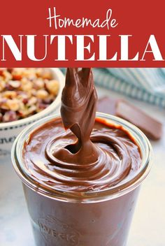 Easy Homemade Nutella – Crunchy Creamy Sweet Homemade Nutella – you won't believe how easy it is to make your own chocolate hazelnut spread at home! All you need is 7 ingredients and a blender or food processor. Nutella Brownies, Nutella Cookie, Chocolate Nutella, Chocolate Hazelnut, Homemade Chocolate, How To Make Nutella, Make Your Own Chocolate, Home Made Nutella, Homemade Nutella Recipes