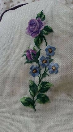 Cross Stitch Designs, Cross Stitch Patterns, Dress Neck Designs, Bargello, Blackwork, Diy And Crafts, Embroidery, Crochet, Farmhouse Rugs