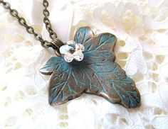 Verdigris swarovsky/bronze leaf necklace-Magic ivy (52 LEI la afterforever.breslo.ro) Leaf Necklace, Pendant Necklace, Ivy, Turquoise Necklace, Bronze, Magic, Jewelry, Design, Jewlery