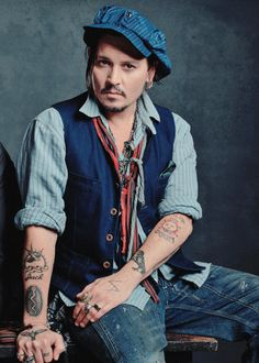 Johnny Depp Fashion Sense Like The Belt Off To The Side