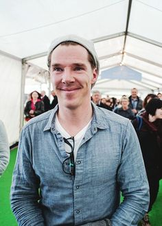 <3 I would luv to hear his voice in real time onstage during performance or just reading love letters, quotes or anything, LOL .... It would be an enjoyable experience for me because he is so articulate when he speaks. <3    *Ben at the Hay festival 30th May 2014*