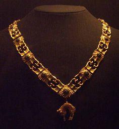 BURGUNDIAN GOTHIC   Collar of the Order of the Golden Fleece.   c. 1435-1465  Netherlandish-Burgundian  Gothic''   Gold   Burgundy. France.