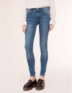 Pull&Bear - dames - jeans - basic push-up jeans - halfblauw - 09684330-I2015