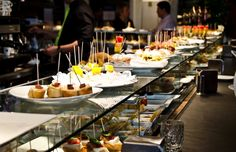 The best restaurants in Barcelona where you can eat Barcelona tapas called Pintxos. Explore these 10 best places with SuiteLife! Barcelona Bars, Barcelona Guide, Barcelona Food, Barcelona Restaurants, Barcelona Travel, Barcelona Spain, Tapas Bar, Restaurant Recipes, Restaurant Bar