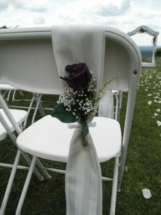 Wedding ceremony chair accents