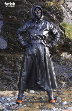 Latex Outfit, Latex Hood, Rubber Raincoats, Plastic Pants, Rain Gear, Fetish Fashion, Black Rubber, Boss Lady, Mistress