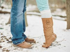 Outdoor Winter Engagement Session | photography by http://www.vickigraftonphotography.com