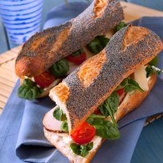 Découvrez la recette du sandwich baguette pavot à la dinde fumée