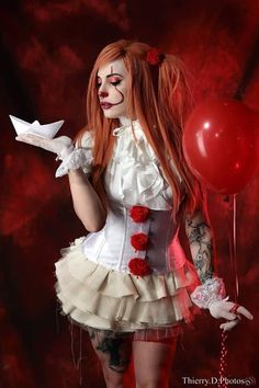 Let's face It … Pennywise is going to be the Halloween costume to beat this year. It's terrifying, simple enough to pull off, and with the movie's already-gargantuan box office gross, everyone and their pet dog will get your costume. Female Pennywise Costume, Pennywise Halloween Costume, Joker Halloween, Halloween Cosplay, Halloween Outfits, Creepy Clown Girl Costume, Sexy Horror, Diy Costumes, Costume Ideas