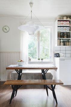 """SNEAK PEEK TO THE HOME OF SAANA JA OLLI. Pirkka furniture design by Ilmari Tapiovaara. """"Lokki"""" lamp, design by Yki Nummi."""