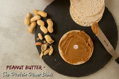 Protein is one of the building blocks of the body and Peanut butter is a rich source of protein. This post shares ways to consumer peanut butter and why it is so awesome. Protein Power, High Protein Low Carb, Snack Recipes, Healthy Recipes, Snacks, Healthy Food, Nut Recipes, Perder 10 Kg, Ketogenic Diet Breakfast
