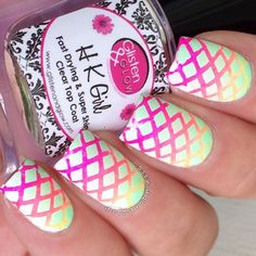 Gradient neon mani by @dripdropnails! Jessica is using our Diamond Nail Stencils found at: snailvinyls.com