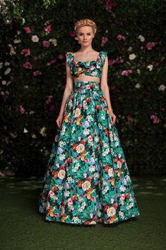 High Fashion Dresses, Modest Fashion, Fashion Outfits, Event Dresses, Casual Dresses, Formal Dresses, Pretty Dresses, Beautiful Dresses, Vintage Cameras