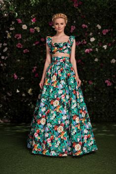 High Fashion Dresses, Modest Fashion, Fashion Outfits, Event Dresses, Casual Dresses, Formal Dresses, Mouni Roy Dresses, Pretty Dresses, Beautiful Dresses