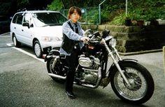スポーツスター883 1995 大型免許を取る前に買った初めてのHARLEY。買ったはいいが1998年当時はショベルが偉いみたいな時代でプアマンズHARLEYとバカにされて半年も乗らなかった。 Motorcycle, Vehicles, Motorcycles, Car, Motorbikes, Choppers, Vehicle, Tools