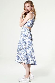 Clementine Cutout Floral Dress Discover the latest fashion trends online at storets.com