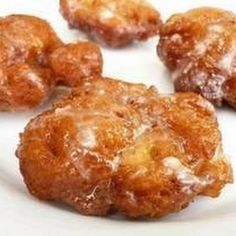Apple fritters for brkfst.These were a big hit! And easy too! I tripled the recipe to bring for a group. No Fear Entertaining: Apple Fritters for Breakfast Apple Fritter Recipes, Donut Recipes, Apple Recipes, Fall Recipes, Easy Apple Fritters Recipe, Carbquik Recipes, Pan Frito, Apple Spice Cake, Apple Pie