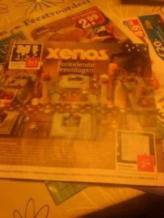 Het sterke aan deze brochure is dat de Xenos laat zien hoe je met hun producten een mooi bekleedde tafel kan maken voor kerst.