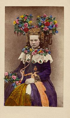 A bride from Hälsingland, Sweden hand-coloured photo, between 1870 and 1899 from Nordiska museet/Nordic Museum, Sweden Vintage Photographs, Vintage Photos, Portraits Victoriens, Norwegian Wedding, Celtic, Bridal Crown, Folk Costume, People Of The World, Wedding Wear