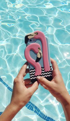 obsessed with this fun flamingo iPhone case