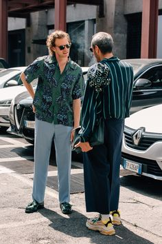 The Best Street Style from Milan Fashion Week Photos Street Style Boy, Cool Street Fashion, Street Styles, Sweater Outfits, Casual Outfits, Grunge Fashion, Mens Fashion, Gothic Fashion, Milan Fashion Weeks