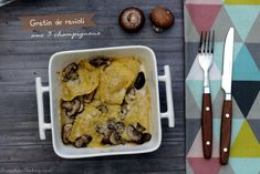 Gratin de ravioli aux trois champignons Veggie Recipes, Veggie Food, Saveur, French Toast, Veggies, Pasta, Chicken, Meat, Hui