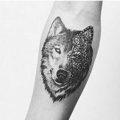 It's almost like a sugar wolf instead of a sugar skull :p I like it