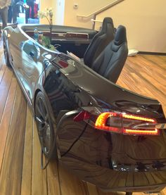 """Re-purposed Car-Desk from """"Creating the Perfect Home Office: Choosing a Desk"""""""