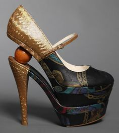 Albu high heel. Hmmmm I can't decide where to go with this, so let's throw some of everything in!