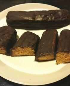 Gerade sind meine Proteinriegel fertig geworden. Bedingt durch die Schokolade sind sie nicht zu 100% für die Stofffwechseldiät geeignet