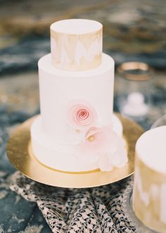 Pink and gold wedding inspiration | photos by Ashley Kelemen | 100 Layer Cake