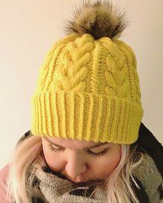 Ravelry: Hello Yellow pattern by Heidi Vaherla Knitting Charts, Free Knitting, Baby Knitting, Yellow Pattern, Girl With Hat, Crochet Fashion, Crochet Accessories, Beanie Hats, Beanies