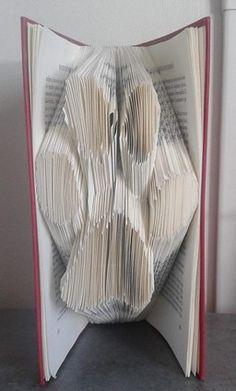 c 39 est l 39 hiver livres pli s d 39 aline pliage de livres pinterest. Black Bedroom Furniture Sets. Home Design Ideas
