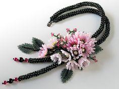 さくら色のお花畑ネックレス
