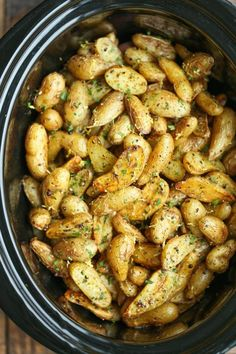 Slow Cooker Greek Potatoes - Buttery crisp-tender potatoes with olive oil, garlic, lemon and oregano. Made so easily in the crockpot - less than 5 min prep! potato al horno asadas fritas recetas diet diet plan diet recipes recipes Crock Pot Slow Cooker, Slow Cooker Recipes, Cooking Recipes, Vegan Slow Cooker, Crock Pots, Cooking Games, Slow Cooker Dinners, Cooking Ribs, Cooking 101