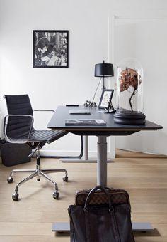 Frederik Baggers herskabslejlighed i København er indrettet minimalistisk med kant