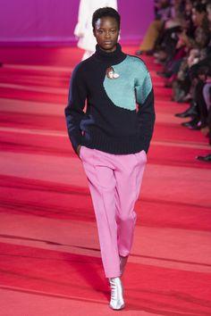 Sfilata Phillip Lim New York - Pre-Collezioni Autunno-Inverno - Vogue Catwalk Fashion, Vogue Fashion, Pink Fashion, Fashion Week, Fashion 2017, Fashion Show, Fashion Trends, Retro Fashion, Fashion Inspiration