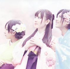 桜の栞【劇場盤】 ~ AKB48, http://www.amazon.co.jp/dp/B0036YCCXK/ref=cm_sw_r_pi_dp_76Umrb0PGHAXM
